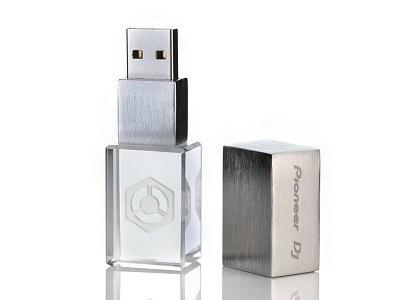 flashdisk-crystal-square-3