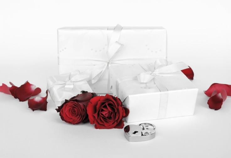 gift-2965844_1920.jpg