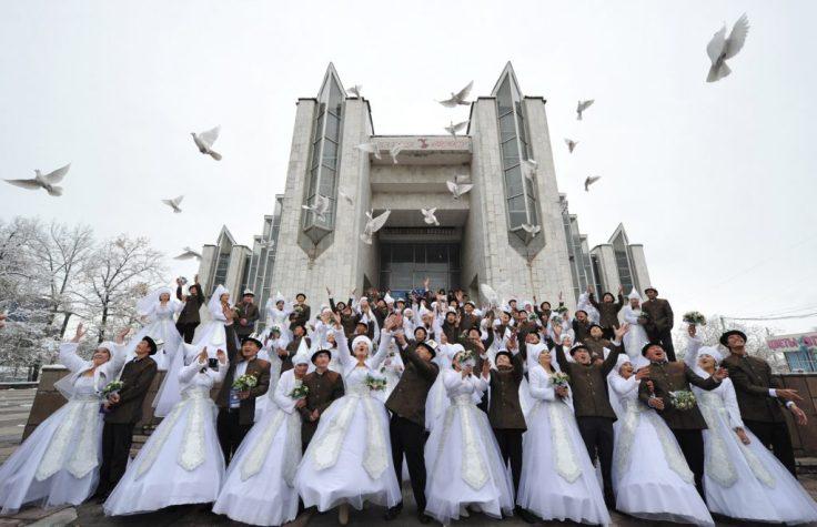 nikah-massal-di-filipina-dalam-perayaan-valentine-1024x662.jpg